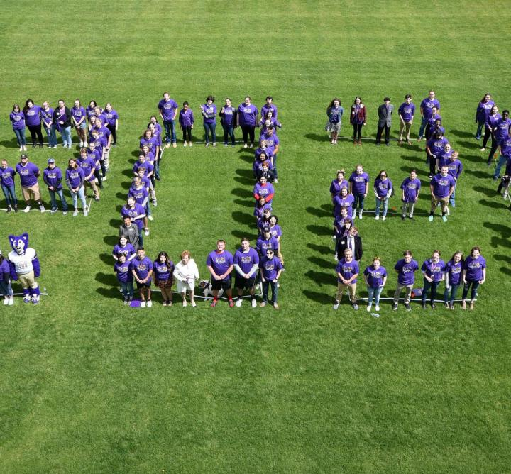 Class spells out 2021 on the lawn