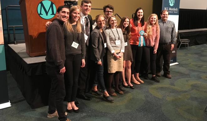 C of I science students stand for a group photo at 2017 Murdock conference