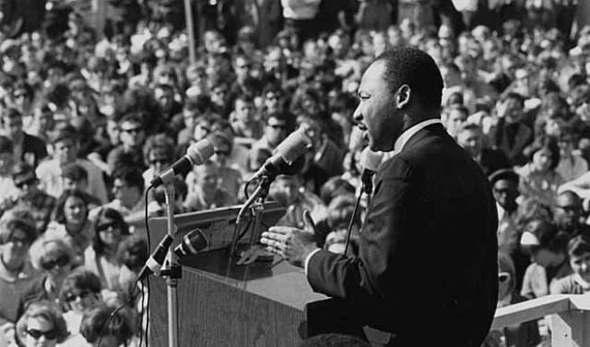 Martin Luther King Jr. addresses students in St. Paul.